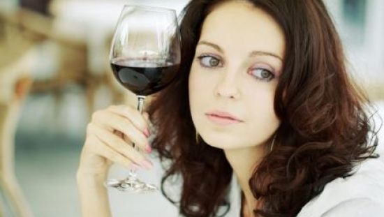 The anti-ageing MIND diet that halves your risk of dementia: Wholegrains and a daily glass of wine... but no red meat and sugar 'makes your brain EIGHT years younger'